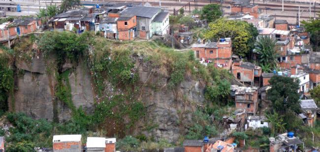 La police Favela